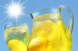 Iced-cold-lemonade-the-ultimate-thirst-quencher